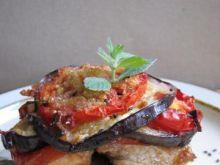 Ryba pod kołderką z bakłażana i pomidora