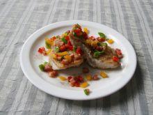 Ryba smazona z kolorowa papryka