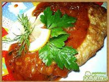 Ryba w sosie pomidorowym z cytryną