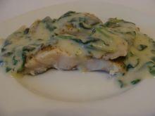 Ryba w sosie szpinakowym