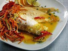 Ryba z sosem pomarańczowym i warzywami