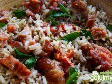Ryż pełnoziarnisty z wędzonym łososiem