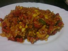 Ryż z chorizo i pikantnym sosem