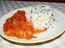 Ryż z czarnuszką i sosem marchewkowo-pomidorowym