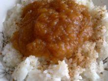 Ryż z dżemem jabłkowym