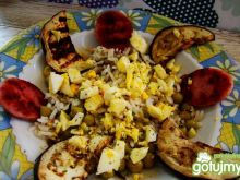 Ryż z grillowanym bakłażanem i jajkiem