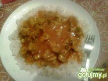 Ryż z gulaszem w sosie słodko-kwaśnym