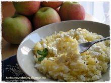 Ryż z jabłkiem i wiejskim serkiem