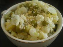 Ryż z jajkiem i zielonym groszkiem