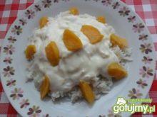 Ryż z jogurtem i brzoskwiniami