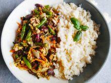 Ryż z kalafiora z warzywami i kurczakiem