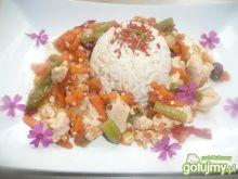 Ryż z  kolorowymi warzywami