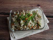 Ryż z kurczakiem, fasolką i marcheweczkami
