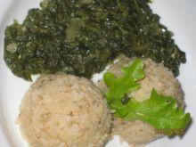 Ryz z miesem oraz szpinakiem