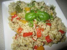Ryż z papryką i selerem naciowym