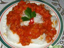 Ryż z sosem i  mięsem mielonym