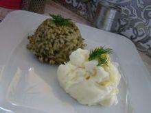 Ryż z szpinakiem i białkową kulą