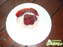 Ryż z truskawkami.