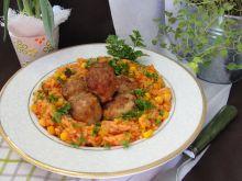 Ryż z warzywami i klopsikami