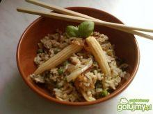 Ryż ze smażonym jajkiem i cebulką