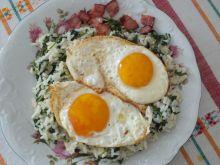 Ryż ze szpinakiem i jajko sadzone