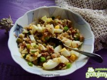 Ryżanka z groszkiem i jajkiem