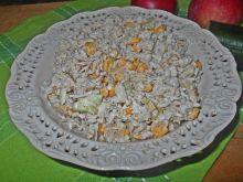 Ryżowa sałatka z ogórkiem i kurczakiem