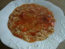 Ryżowa zupa z koncentratem pomidorowym