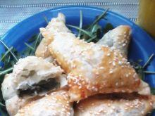 Sakiewki z szpinakiem i wędzonym łososiem