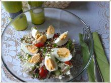 Sał. z pekinki z kiełkami fasoli mung i jajkiem