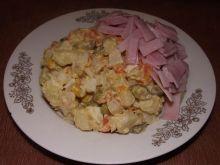 Salat z chrzanem i szynką konserwową