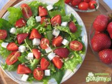 Sałata i szpinak z pomidorkami