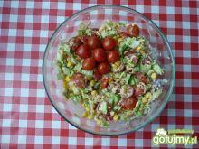 Sałata lodowa z pomidorami.