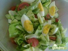 Sałata masłowa z jajkiem