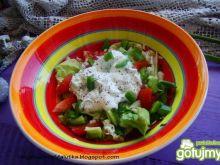 Sałata obiadowa z sosem serowym