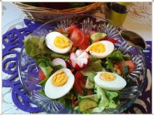 Sałata z jajkiem do pracy