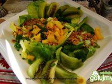 Sałata z kiwi i papryki żółtej
