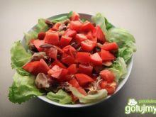 Sałata z kurczakiem i pomidorem