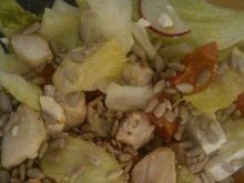 Sałata z kurczakiem i słonecznikiem