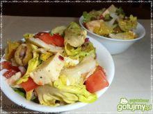 Sałata z oliwkami i mozarellą