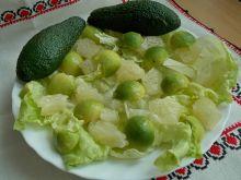 Sałata z pomelo i awokado