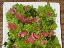 Sałata z rzodkiewkami marynowanymi