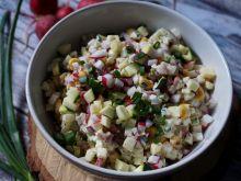 Sałata z rzodkiewki i kukurydzy