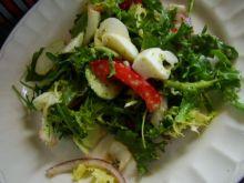 Sałata z sosem ogórkowym