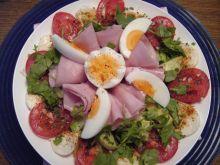 Salata z szynka i mozzarella