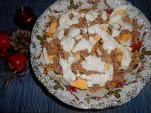 Sałata z tuńczykiem i kukurydzą