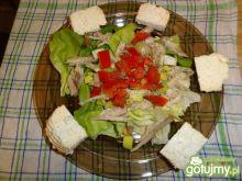 Sałata z wędzoną makrelą