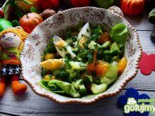 Sałata zielona z kaki i jajkiem