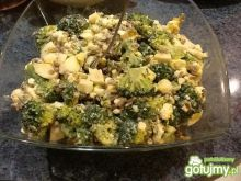 Sałatka brokułowa 10