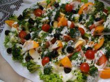 Sałatka brokułowa wykwintna